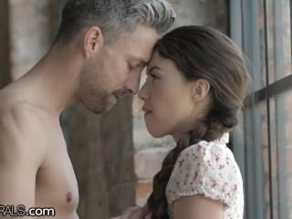 21Naturals Tiffany Bird Opens Pain in the neck be fitting of their way Beau